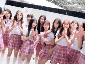 プデュのピンクの制服で日本に来た韓国人メンバーと日本人メンバーの再会