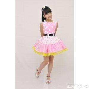 2014年のピンクの衣装の矢吹奈子