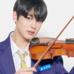バイオリンを弾くプデュのチェビョンチャン